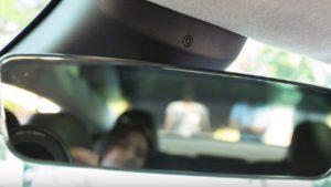 Илон Маск раскрыл предназначение камеры над зеркалом заднего вида в Tesla Model 3