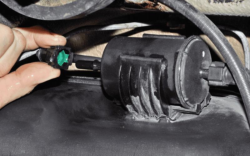 Как часто менять топливный фильтр?